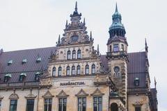 Widok Bremen targowy kwadrat z statuą i tłumem ludzie urzędu miasta, Roland, dziejowy centrum, Niemcy Fotografia Royalty Free