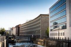Widok bulwar rzeczny bomblowanie w Berlin obrazy stock