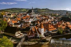 Widok Cesky Krumlov Vltava i rzeka, widok miasto od wierzchołka cesky krumlov republiki czech miasta średniowieczny stary widok d Obraz Stock