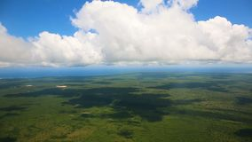 Widok chmury od okno samolot i ziemia zdjęcie wideo