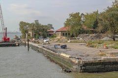 Widok constraction strefa na Ellis wyspie Dziejowy miejsca tło USA zdjęcia stock