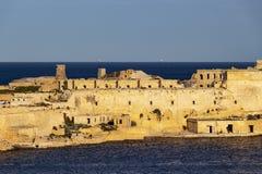 Widok część Ricasoli fort, Kalkara od Niskich Barakka ogródów w Valletta, Malta Obrazy Stock