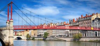 Widok czerwony footbridge w Lion Obrazy Royalty Free