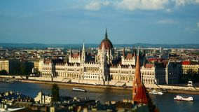 Widok Danube rzeka i parlamentu budynek, Budapest, Węgry zbiory wideo