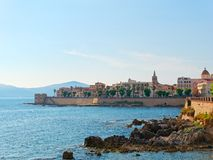 Widok deptak i stare ściany alghero alghero Italy Sardinia Zdjęcie Stock