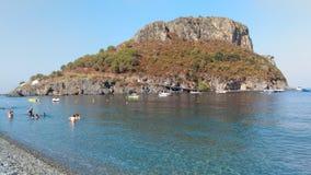 Widok Dino wyspa w Calabria obraz stock