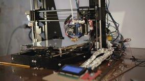 Widok domowej roboty 3D drukarka 4K zdjęcie wideo