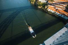 Widok Douro rzeka od Dom Luis Porto, przerzucam most Obraz Royalty Free