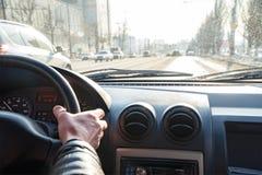 Widok droga w mieście przez przedniej szyby samochód Obraz Royalty Free