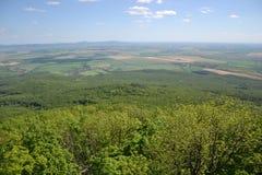 Widok drzewa, góry, wzgórza, pola i wioski, Fotografia Royalty Free