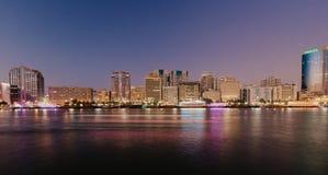 Widok Dubaj zatoczka w Starym Dubaj w Al Seef terenie Dubaj - UAE 02 2019 Styczeń fotografia royalty free