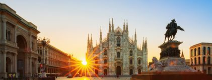 Widok Duomo przy wschodem słońca Zdjęcia Stock
