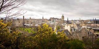 Widok Edynburg od Calton wzgórza w wiośnie Obrazy Royalty Free