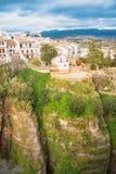 Widok El Tajo wąwozu jar, biały tradycyjny andalusian hou obraz stock