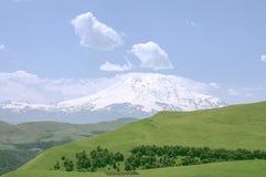 Widok Elbrus od góry Tau panorama Obrazy Stock