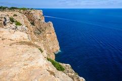 Widok falezy blisko Mola latarni morskiej, Formentera, Hiszpania Zdjęcia Royalty Free