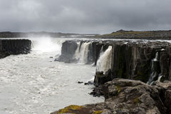 Widok fantastyczna i potężna Selfoss siklawa, Iceland Zdjęcie Stock