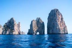 Widok Faraglioni skały Fotografia Royalty Free
