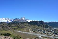 Widok Fitz Roy szczyt od miasteczka El Chaltén w Los Glaciares parku narodowym, Argentyna Obrazy Stock