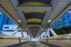 Widok footbridge przy nocą w Hong Kong Fotografia Stock