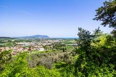 Widok góra Conero na Adriatyckim morzu Włochy fotografia stock