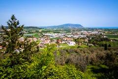 Widok góra Conero na Adriatyckim morzu Włochy Zdjęcie Royalty Free