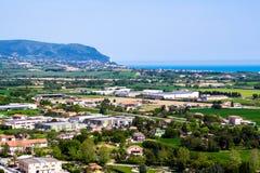 Widok góra Conero na Adriatyckim morzu Włochy Obraz Royalty Free