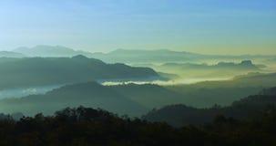 Widok górski w ranku przed świtem Zdjęcie Royalty Free
