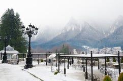 Widok górski z tarasem i latarniami ulicznymi Zdjęcia Royalty Free