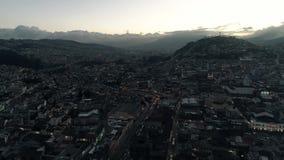 Widok góry i miasto noc zbiory