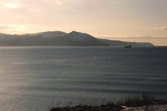 Widok góry morze przy półmrokiem Zdjęcia Royalty Free