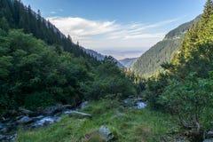 Widok góry w pobliżu Balea siklawa Fotografia Royalty Free