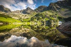 Widok Gasienicowa dolina i Zielony Staw jezioro w Tatr Zdjęcie Stock
