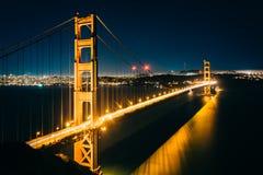 Widok Golden Gate Bridge przy nocą Zdjęcia Stock