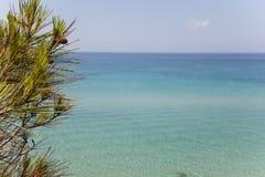 Widok grek plaża z piękną turkusową wodą morską, siviri, Zdjęcie Stock