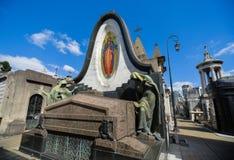 Widok grobowiec z mozaiką przy losu angeles Recoleta cmentarzem Obrazy Stock