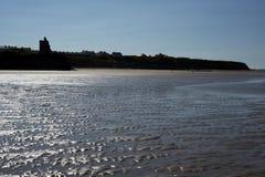 Widok grodowa i pluskocząca plaża Fotografia Stock