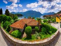Widok grodzki Argegno na Jeziornym Como, Zdjęcie Stock