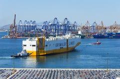 Widok Handlowy port w Keratsini Piraeus, Grecja, - zdjęcia stock