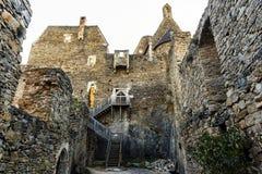Widok historyczna Aggstein kasztelu ruina na Danube rzece niski Zdjęcia Royalty Free