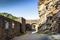 Widok historyczna Aggstein kasztelu ruina na Danube rzece niski Obrazy Royalty Free