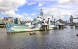 Widok HMS Belfast - okrętu wojennego muzeum w Londyn Zdjęcie Stock