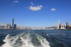 Widok Hong Kong linia horyzontu przy niebieskim niebem obraz royalty free