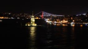 Widok Istanbuł z mostem w tle przy nocą zbiory