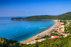 Widok Jaz plaża blisko Budva, Montenegro obraz stock