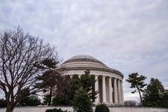 Widok Jefferson pomnik w washington dc na chmurnym zima wieczór zdjęcia royalty free