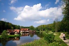 Widok jeziorni domy Fotografia Royalty Free