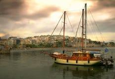 Widok Kastela i Pasalimani piraeus Grecja Miękka ostrość redaguje zdjęcie stock