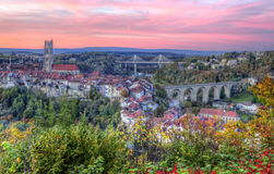 Widok katedra, most, Poya i Zaehringen, Zdjęcia Stock