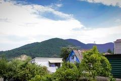 Widok Kaukaz góry od hotelowego balkonu obrazy royalty free